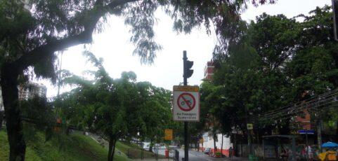 Placa de proibido passagem de Moto – 2013